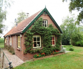 Cozy Holiday Home in Twenterand with Meadow View